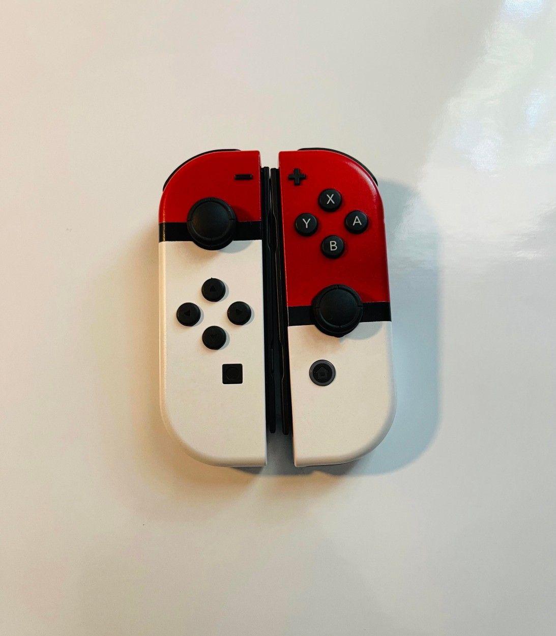 Pokemon Fan Shows Off Custom Poke Ball-Themed Switch Joy-Con Controllers